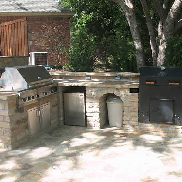 Outdoor kitchens and bars creative boundaries for Dallas outdoor kitchens